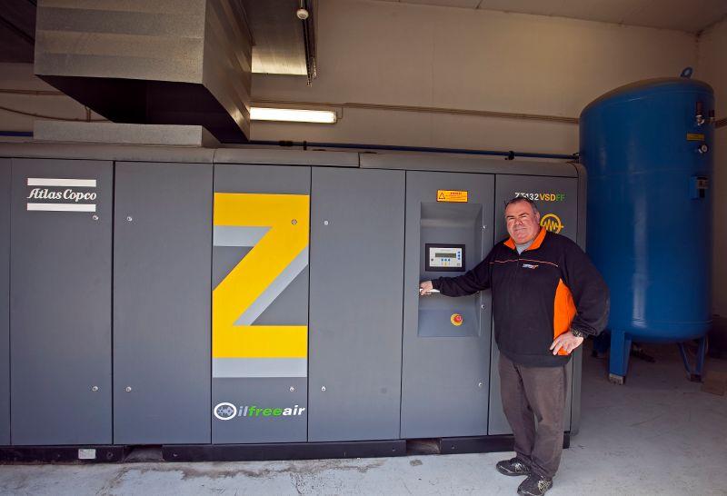 ZT 132 VSD FF compressor installation at printing company Lidergraf, Portugal, with Antonio Crespo, Atlas Copco?